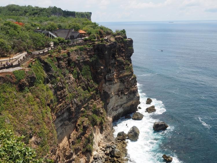 uluwatu-bali-temple-cliff