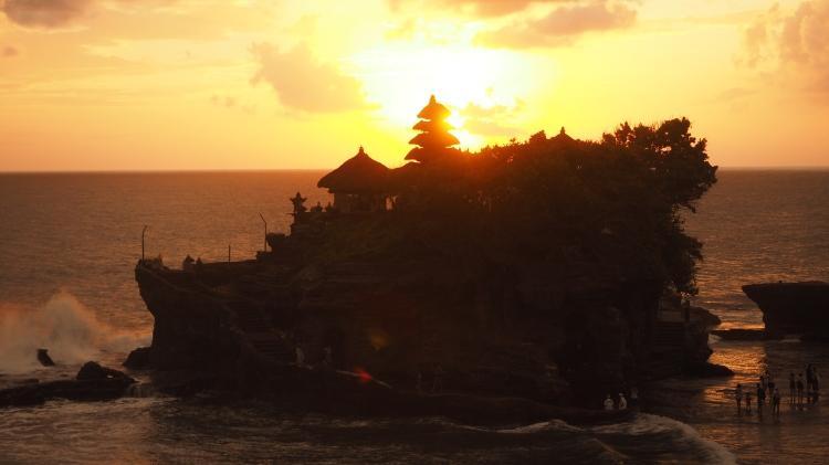 tanah-lot-sunset-bali
