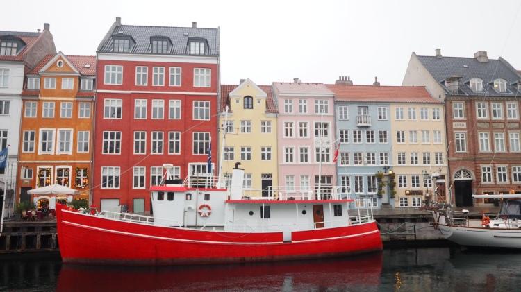 copenhagen-denmark-an-afternoon-in-nyhavn