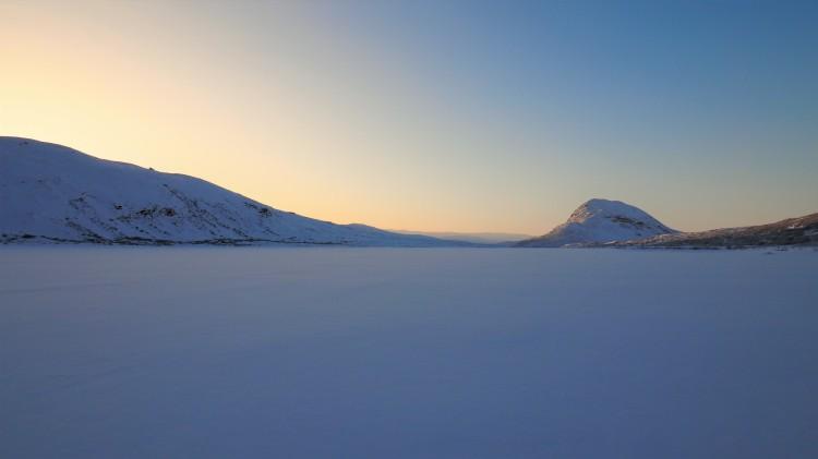 greenland-kangerlussuaq-tomato-lake