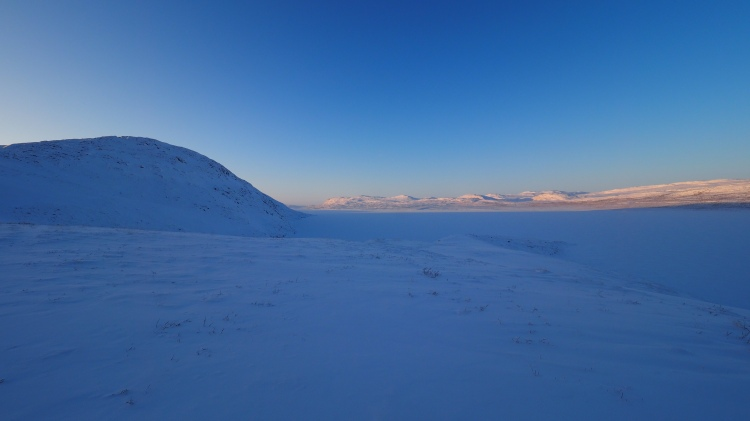greenland-kangerlussuaq-long-lake