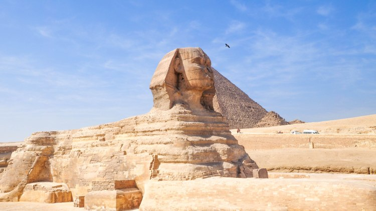 giza-pyramids-travel-blog-cairo-egypt-ancient-wonder-solo-backpacking-sphinx