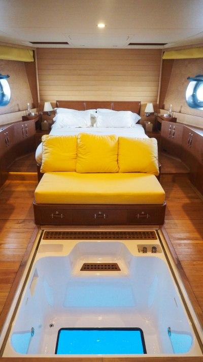 soneva-aqua-travel-blog-in-fushi-maldives-yacht-sailing-luxury