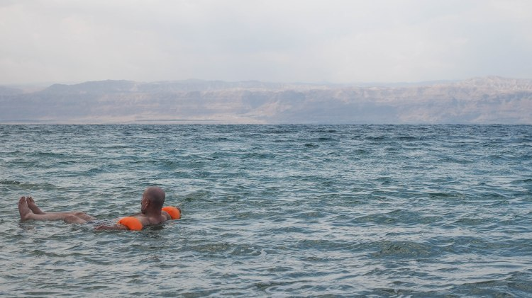 dead-sea-jordan-blog-travel-solo-backpacking